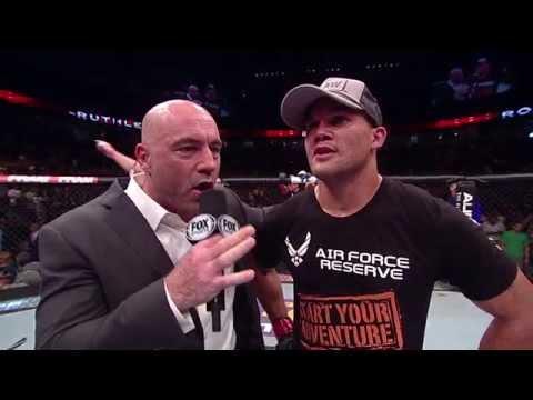 Fight Night San Jose: Robbie Lawler Post-Fight Octagon Interview
